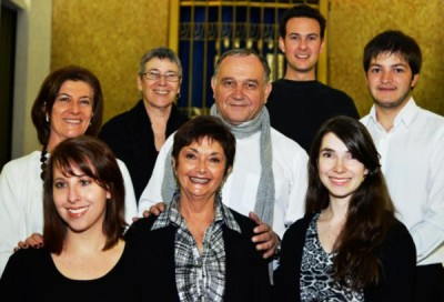 Avi Kanar, centre, with his choir: In front, sopranos Bronwen Hirshowitz, Naomi Jaff and Leigh Nudelman. At left, altos Marion Block and Jessica Sherman. At right, bass Jeff Davis and David Fine. Missing: Tenor Don Burroughs.